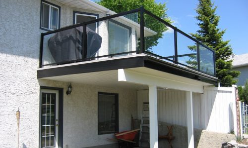 glass railing for upper deck